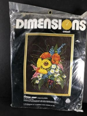 Dimensions Crewel 1146 SUMMER SPRAY Wool Embroidery 18x24 RARE NEW NOS