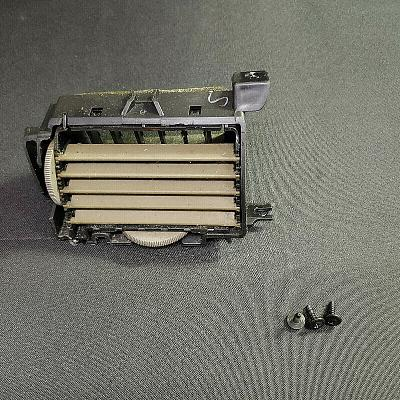 2005-10 Cobalt Driver Right Side Dash AC Air Conditioner Heater Vent, Tan