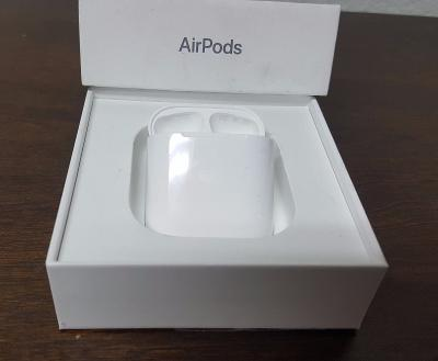 Apple AirPods Airpod Replacement CHARGING CASE Grate MMEF2AMA no Earbuds AirPod