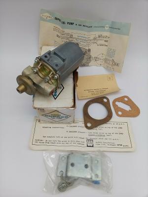 NOS Vintage Dupree Electric Fuel Pump Model 6v-839 2-78 with gaskets & Bracket