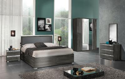 ESF Oxford King Bedroom Set made in Italy by MCS Italy for a total of 5 pieces