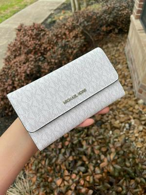 MICHAEL KORS JET SET TRAVEL SAFFIANO LEATHER LARGE TRIFOLD WALLET BRIGHT WHITE