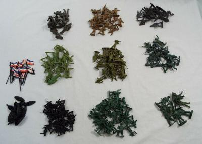 191 Piece Lot Vintage Lot of Plastic Army Military Men Assort Colors Types