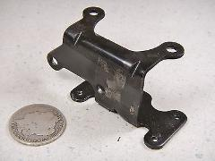 99 OMC EVINRUDE 115HP OIL LIFT PUMP MOUNTING BRACKET