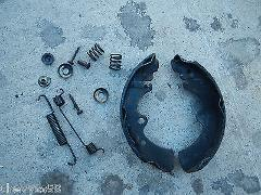 LEFT REAR BRAKE SHOE MOUNTING HARDWARE 1980 80 NISSAN DATSUN 2...