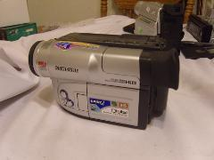Samsung SCL860 Hi8 Palmcorder Camcorder (Discontinued by Manuf...