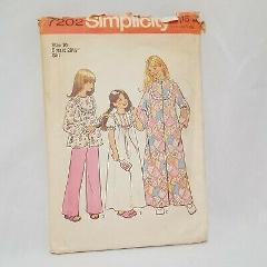 Girls Robe Nightgown Pajamas Size 10 Simplicity 7202 Sewing Pa...