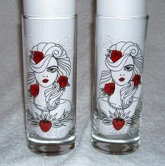 2 NEW NAUGHTY NEVER TASTED SO NICE TEQUILA ROSE STRAWBERRY CRE...