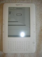 Amazon Kindle D00701(2nd Generation)e-Reader White(Not Working...