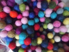Wool Felt Balls,1cm,Packs of 100 Mixed Colours, Free Post