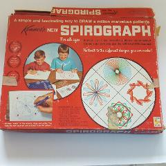Kenner's SPIROGRAPH 401 Red Tray ARTISTIC Drawing TOY Game Mis...