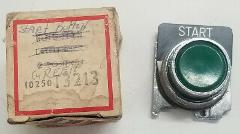 NEW IN BOX CUTLER HAMMER EATON PUSH BUTTON GREEN 10250T113 Pac...