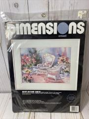 Vintage Dimensions Crewel Kit
