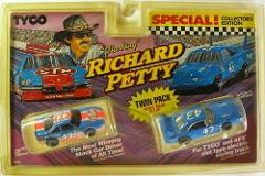 1992 TYCO Richard Petty #43 HO two Slot Car Twin Pack 6994 AFX...