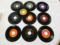 Lot of 10 Album Record vinyl 45's Linda Ronstadt, Dolly Parton...