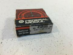 (1) Federal Mogul National 450588 Oil and Grease Seal - New Ol...