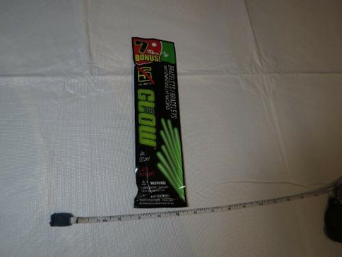 7 pack neon green play glow bracelets 8 in. 20 CM lasts for hours sticks connect